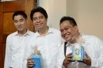 Trio in White